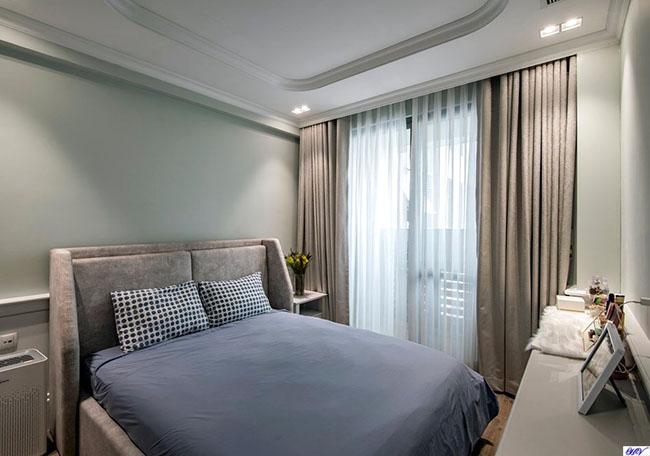 Rèm gam màu xám rất được nhiều khách hàng chung cư lựa chọn bởi sự nhã nhặn