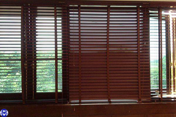 Rèm gỗ cửa sổ phòng ngủ cao cấp chất liệu tự nhiên cản tia uv