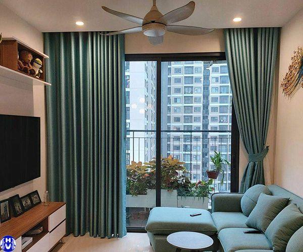 Rèm vải 1 lớp hiện đại che nắng phòng khách chung cư mang đến không gian mở