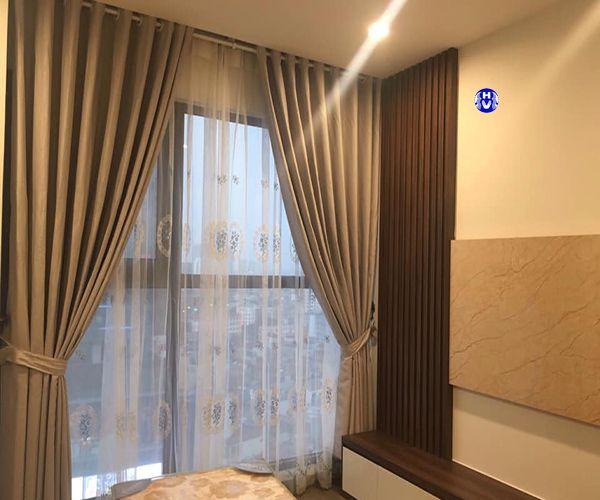 Rèm vải cửa sổ 2 lớp phòng ngủ chung cư giúp cách nhiệt môi trường bên ngoài