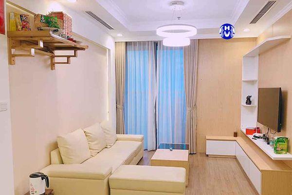 Rèm vải đẹp tinh tế giúp không gian phòng khách bớt nhàm chán