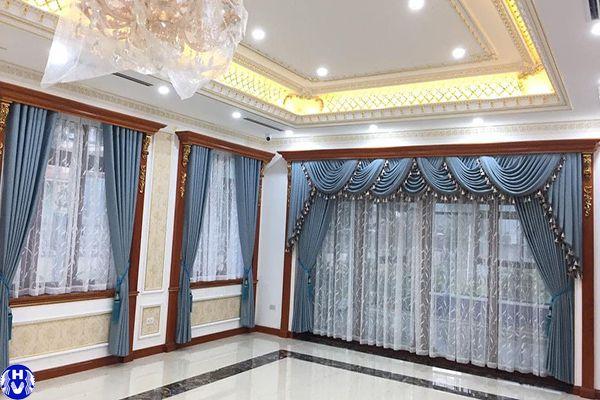 Rèm vải hiện đại màu xanh trẻ trung lắp cửa ra vào biệt thự