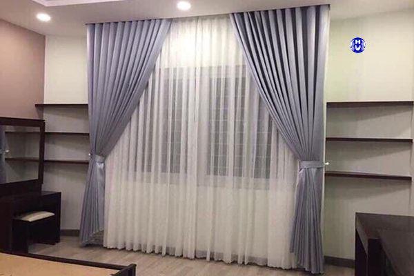 Rèm vải màu xám cao cấp lựa chọn lý tưởng cho phòng ngủ