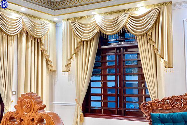Rèm vải nhập khẩu may mẫu tân cổ điển cho phòng khách biệt thự