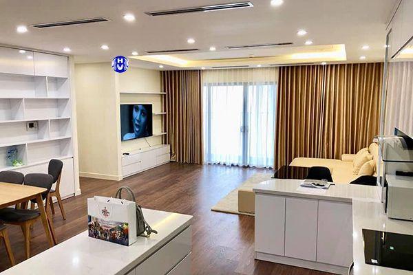 Rèm vải phòng khách chung cư thiết kế theo nội thất hiện đại