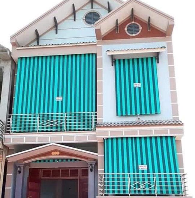 Cửa sổ được bền đẹp hơn bằng rèm ban công che nắng mưa