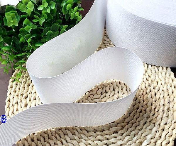 Mếch bằng nhựa dùng may rèm vải