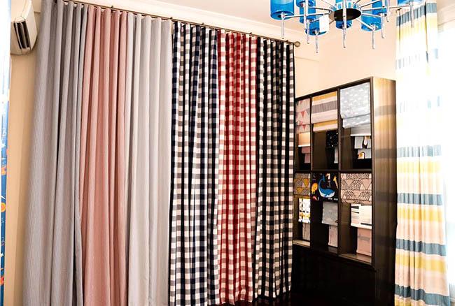 Nhiều mẫu rèm cửa caro đẹp cho bạn lựa chọn