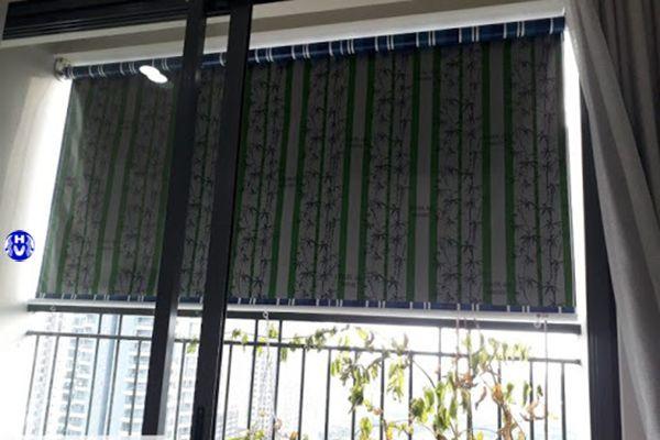 Rèm che mưa ban công chung cư bằng nhựa