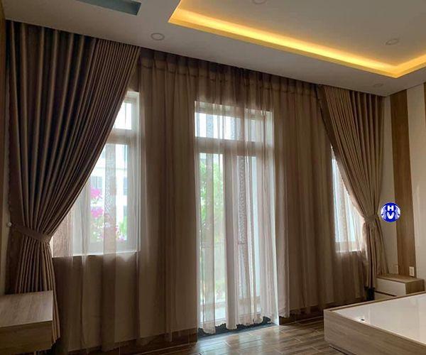 Rèm cửa 2 lớp màu ánh vàng sang trọng cho phòng ngủ vợ chồng