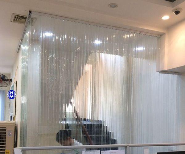 Rèm cửa bằng nhựa trong pvc ngăn lạnh phòng khách gia đình