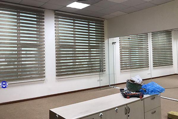 Rèm cửa sổ cuốn Hàn Quốc che nắng phòng làm việc