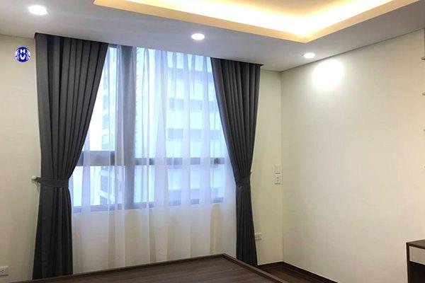 Rèm vải sử dụng điều khiển để đóng mở từ xa