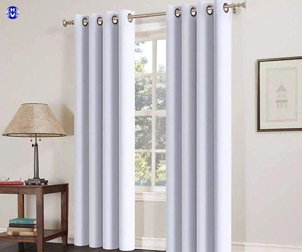Rèm vải sử dụng thanh treo rèm cửa bằng inox sang trọng