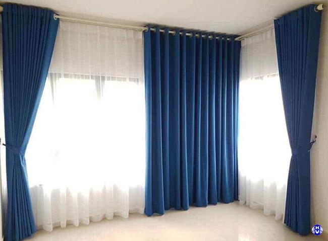 Treo rèm vải với thanh suốt sơn tĩnh điện