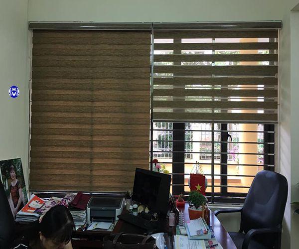 rèm cầu vồng cửa sổ phòng làm việc giám đốc