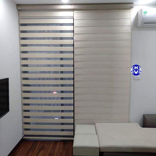 Rèm cửa sổ cuốn Hàn Quốc lắp phòng khách gia đình