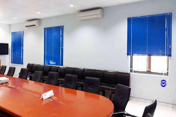 thiết kế thi công rèm sáo nhôm phòng họp công ty
