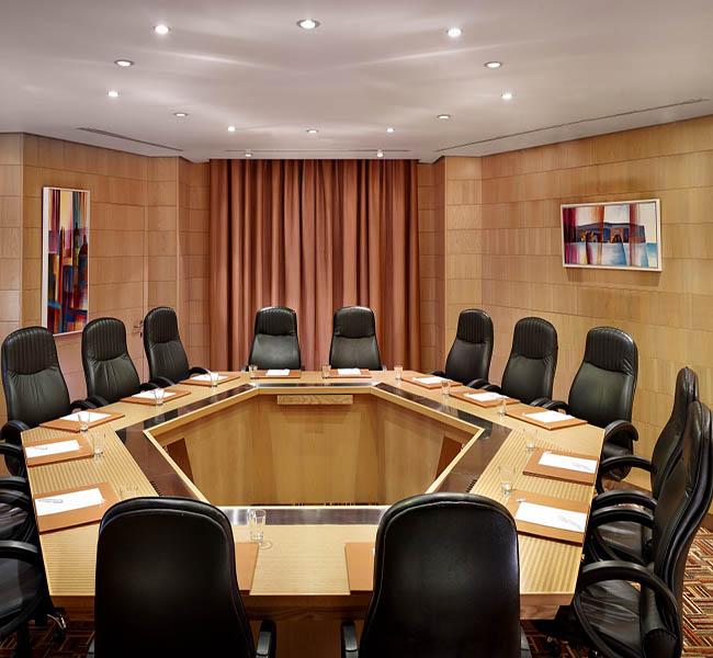 Bộ rèm vải đơn sắc thiết kế cho phòng họp