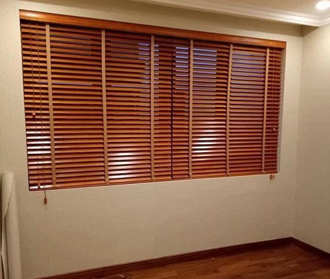Mẫu rèm đơn giản nhưng không kém phần sang trọng cho căn phòng