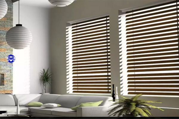 Mẫu rèm sáo nhựa cửa sổ giả gỗ tự nhiên cơ quan