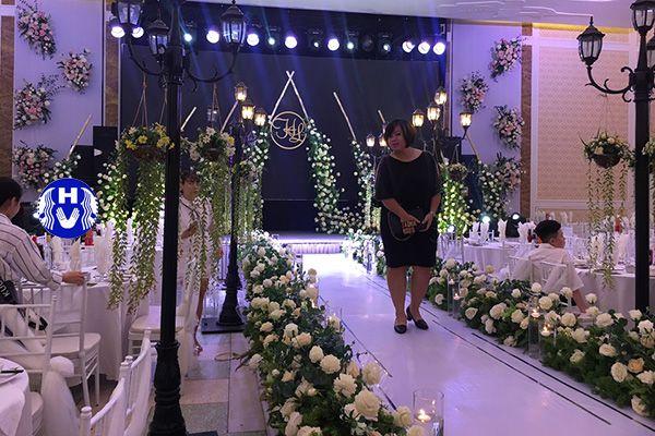 Phông rèm sân khấu cưới chất liệu cao cấp