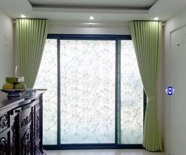 Rèm cửa màu xanh lá phòng thờ gia tiên