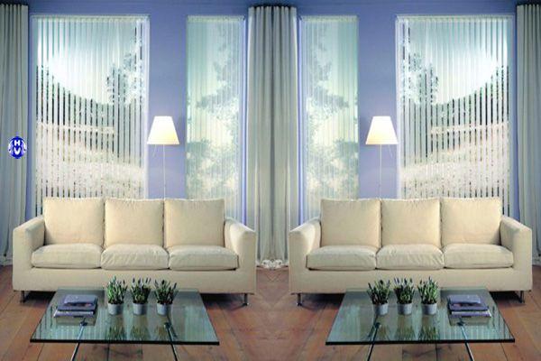 Rèm cửa lá dọc cho khung kính lớn khách sạn