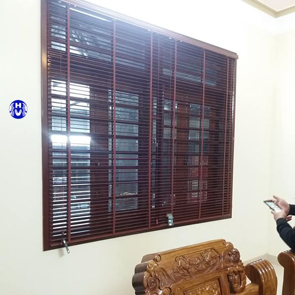 Rèm cửa sổ bằng gỗ phòng khách
