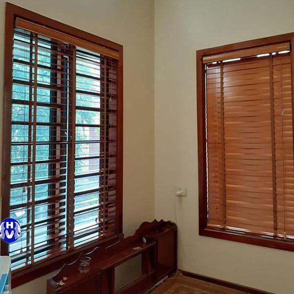 Rèm cửa sổ cuốn gỗ phòng ngủ