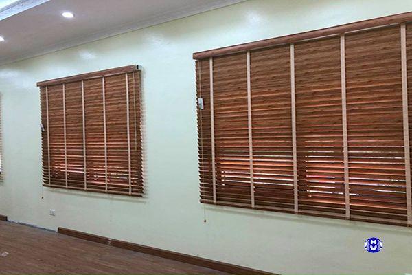 Rèm gỗ lá ngang giá rẻ văn phòng công ty