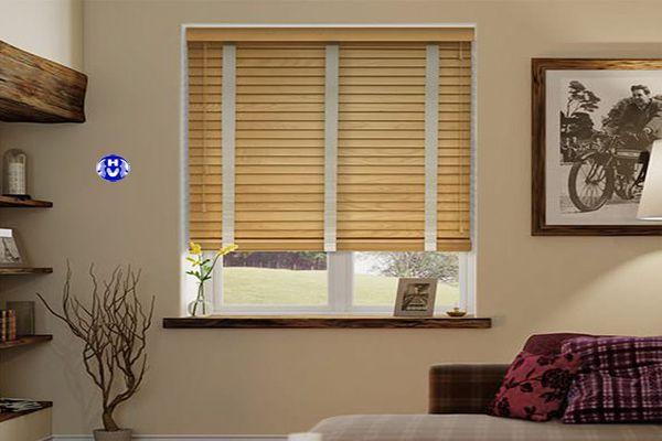 Rèm gỗ tùng tự nhiên lắp cửa sổ phòng ngủ biệt thự