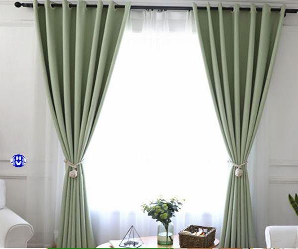 Rèm vải trơn màu xanh lá phòng ngủ
