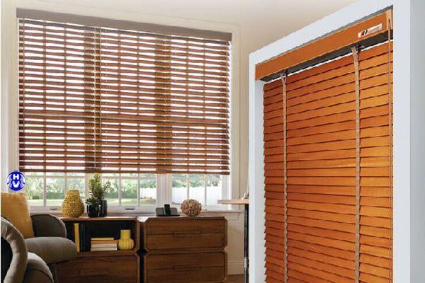 Rèm gỗ nhập khẩu lắp cửa sổ phòng ngủ nhà phố