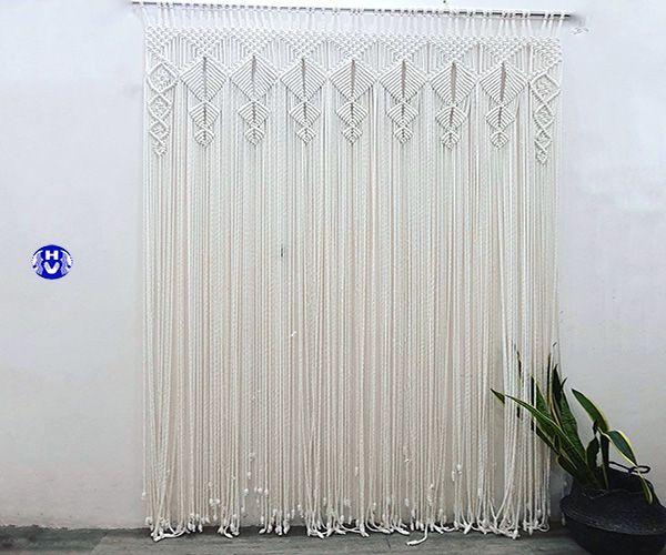 rèm kết bằng len handmade trang trí lối ra vào cửa chính