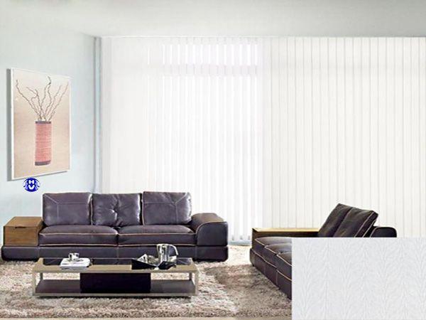 Rèm lá dọc màu trắng che nắng dành cho cơ quan