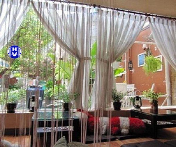rèm sợi trang trí không gian quán cafe
