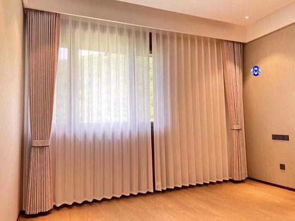 Mẫu rèm vải buông khách sạn hiện đại