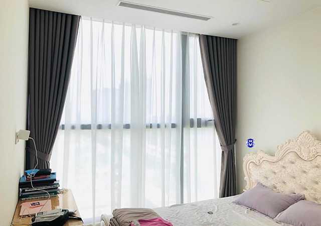 Rèm cửa sổ đơn giản nhưng vẫn mang vẻ đẹp sang trọng