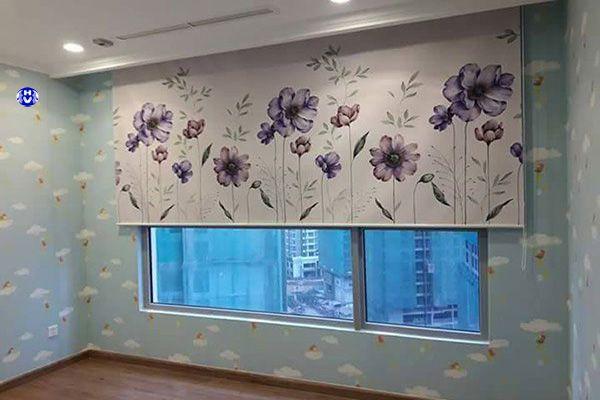 Rèm cuốn tranh in hoa phòng ngủ nhiều màu sắc