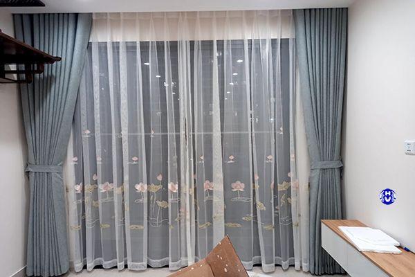 Rèm cửa màu ghi cho chung cư