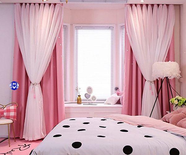 Mẫu rèm vải màu hồng phòng ngủ vô cùng dễ thương