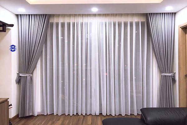 Mẫu rèm vải xám bạc hai lớp phòng ngủ