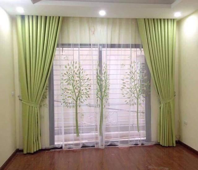 Rèm cửa màu xanh lá thể hiện sự thư giãn, an lành và trong trẻo
