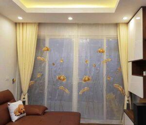 Rèm cửa vàng ánh kim được sử dụng phổ biến yêu thích