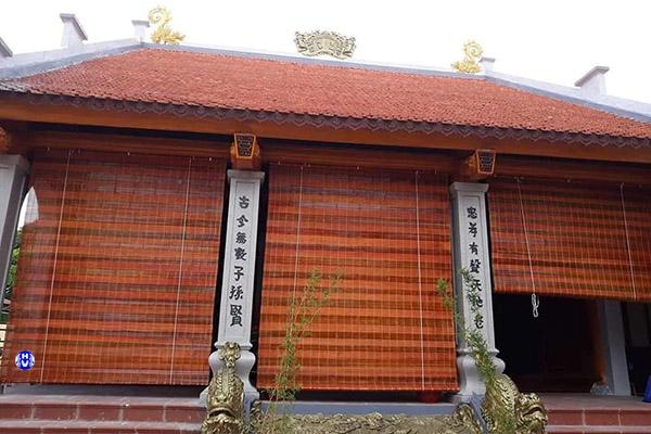 Mẫu rèm trúc sử dụng che hiên nhà bảo vệ cửa