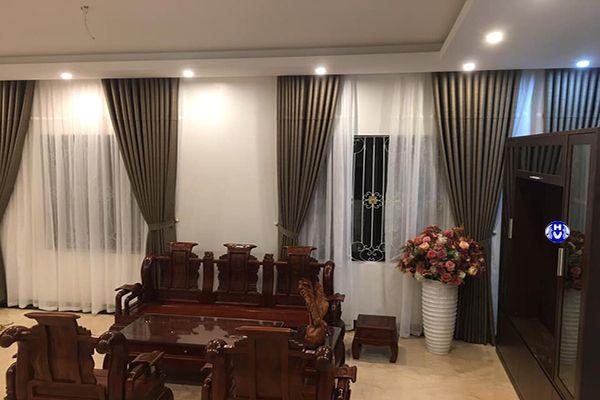 Rèm vải phòng khách thiết kế theo phong cách hiện đại